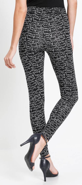 Czarne legginsy z białym nadrukiem