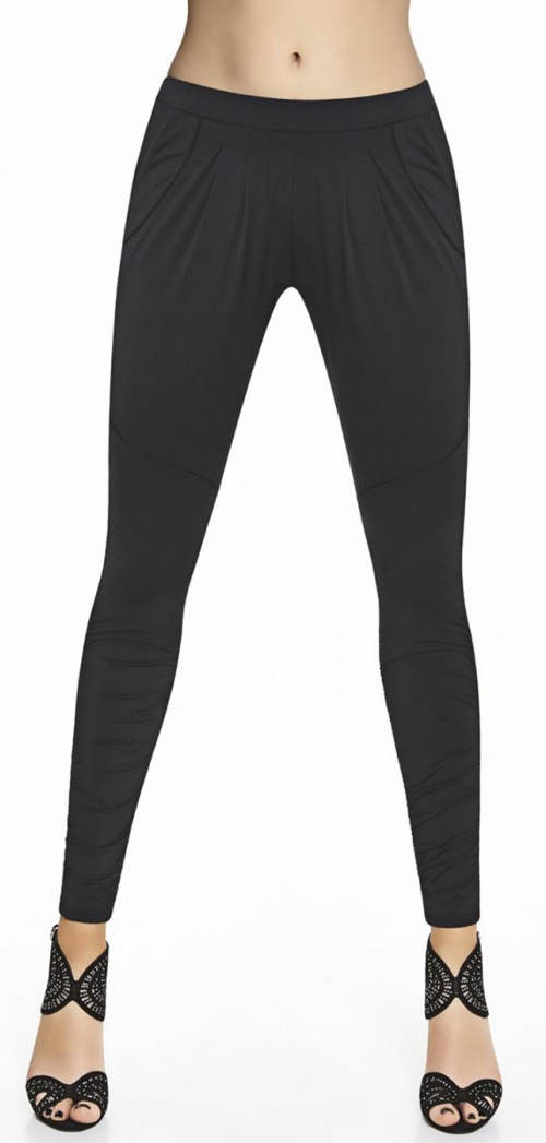 Czarne legginsy z niską siódemką