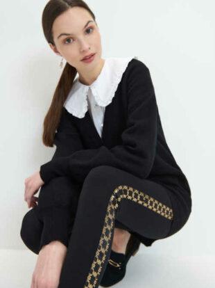 Czarne damskie długie legginsy z ozdobnymi legginsami