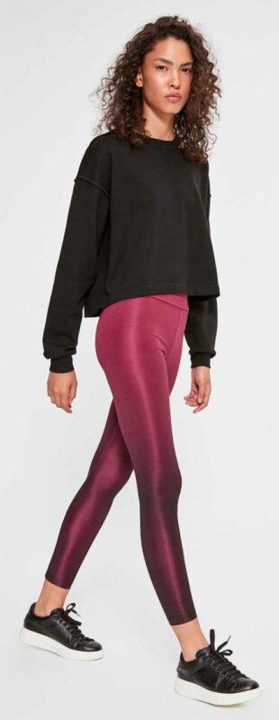 Fioletowe, błyszczące legginsy damskie